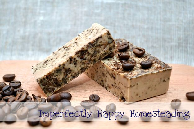 Cool Soaps To Make At Home - Melt And Pour Coffee Soap - DIY Soap Recipes and Ideas - Best Soap Tutorials for Soap Making Without Lye - Easy Cold Process Melt and Pour Tips for Beginners - Crockpot, Essential Oils, Homemade Natural Soaps and Products - Creative Crafts and DIY for Teens, Kids and Adults #soapmaking #diygifts #soap #soaprecipes