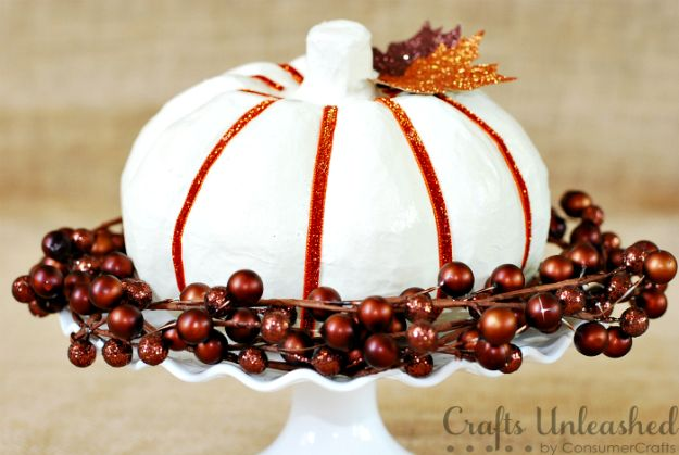 Creative Paper Mache Crafts - Glittered Paper Mache Pumpkin - Easy DIY Ideas for Making Paper Mache Projects - Cool Newspaper and Paper Bag Craft Tips - Recipe for for How To Make Homemade Paper Mashe paste - Halloween Masks and Costume Tutorials - Sculpture, Animals and Ideas for Kids http://diyprojectsforteens.com/paper-mache-crafts