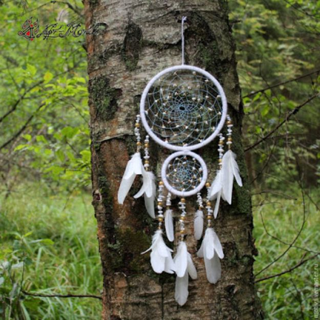 DIY Dream Catchers - Indian Dreamcatcher - How to Make a Dreamcatcher Step by Step Tutorial - Easy Ideas for Dream Catcher for Kids Room - Make a Mobile, Moon Designs, Pattern Ideas, Boho Dreamcatcher With Sticks, Cool Wall Hangings for Teen Rooms - Cheap Home Decor Ideas on A Budget #diyideas #teencrafts #dreamcatchers