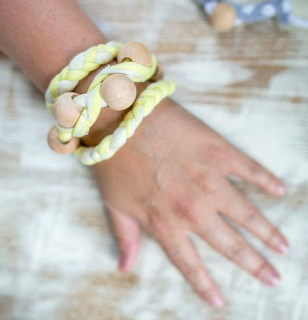 DIY Ideas With Old T-shirts - Braided T-Shirt Bracelet - Tshirt Makeovers and Transformation Ideas for Tee Shirts - DIY Clothes to Make On A Budgert - Creative and Easy Fashion Ideas for Teen Girls, Teenagers, Adults - Cut and Refashion Your Shirts With These Step by Step Tutorials http://diyprojectsforteens.com/diy-ideas-old-t-shirts
