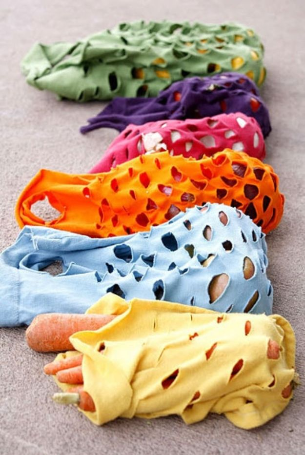 DIY Ideas With Old T-shirts - T-Shirt Produce Bags - Tshirt Makeovers and Transformation Ideas for Tee Shirts - DIY Clothes to Make On A Budgert - Creative and Easy Fashion Ideas for Teen Girls, Teenagers, Adults - Cut and Refashion Your Shirts With These Step by Step Tutorials http://diyprojectsforteens.com/diy-ideas-old-t-shirts