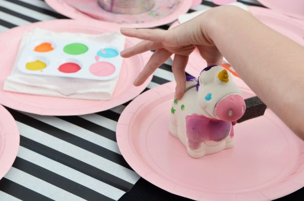 DIY Unicorn Party Ideas - DIY Rainbow Unicorn Paint Party - Throw A Unicorn Themed Party With These Cheap and Easy but Super Creative Projects - Unicorns Decorations for Parties With Rainbow, Glitter and Fun Colors - Banners, Signs, Cakes and Tabletop Decor for the Best Birthday Party Ever - Girls, Teens and Kids Love These Fun Crafts #birthdayparty #partyideas #unicorn #kidparty