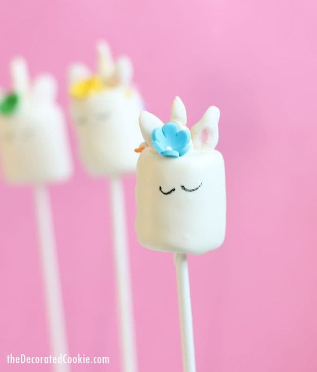 DIY Unicorn Party Ideas - Unicorn Marshmallow Pops - Throw A Unicorn Themed Party With These Cheap and Easy but Super Creative Projects - Unicorns Decorations for Parties With Rainbow, Glitter and Fun Colors - Banners, Signs, Cakes and Tabletop Decor for the Best Birthday Party Ever - Girls, Teens and Kids Love These Fun Crafts #birthdayparty #partyideas #unicorn #kidparty
