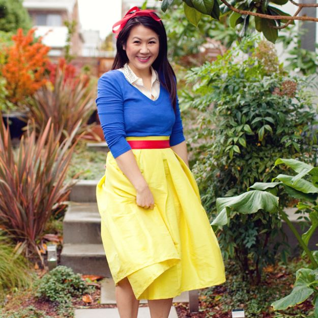 Teen Costume Ideas - DIY Snow White Costume - Easy Costumes for Halloween - Cheap DIY Costumes for Teens - Scary, Spooky, Ideas for Couples, Groups and Friends - Quick Last Minute Hallloween Costumes, Best Celebrity Ideas - Dolls, Zombies, Ghosts, Makeup Tutorials Teenagers Dress Up Idea-