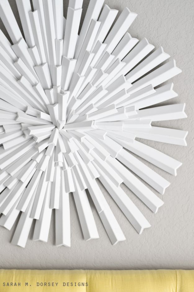 Cheap Wall Decor Ideas - Asymmetrical Starburst - Cute and Easy Room Decor for Teens - Ideas for Teenager Bedroom Walls - Boys and Girls Room Canvas Wall Art and Decorating #teen #roomdecor #diydecor https://diyprojectsforteens.com/cheap-diy-wall-decor-ideas