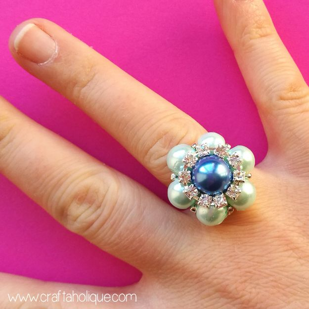 DIY Rings - Beaded Flower Ring - Easy Ring Tutorial for Wore, Paperclip, Stone Jewelry, Wood, Metal, Boho Ideas - Cheap Jewelry Making Ideas #diyjewelry #rings