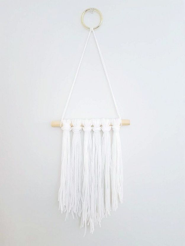 Cheap Wall Decor Ideas - DIY Wall Hanging Yarn - Cute and Easy Room Decor for Teens - Ideas for Teenager Bedroom Walls - Boys and Girls Room Canvas Wall Art and Decorating #teen #roomdecor #diydecor https://diyprojectsforteens.com/cheap-diy-wall-decor-ideas