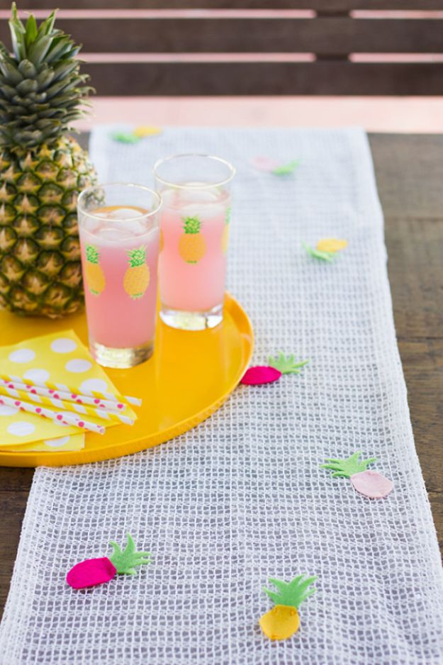 Pineapple Crafts - DIY Pineapple Table Runner - Cute Craft Projects That Make Cool DIY Gifts - Wall Decor, Bedroom Art, Jewelry Idea