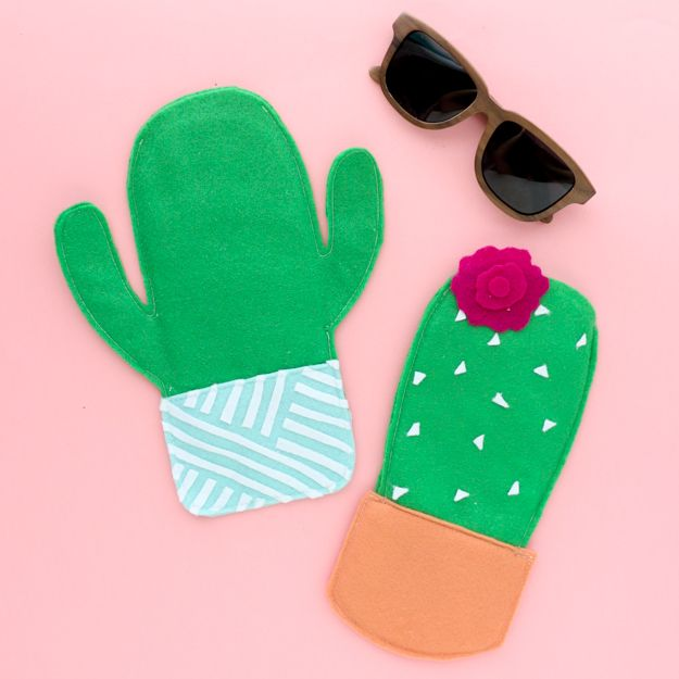 DIY Cactus Crafts | Felt Cactus Sunglasses Case l Craft Ideas and Home Decor | Painting Tutorials, Gifts, Rocks, Cardboard, Wood Cactus Decorations