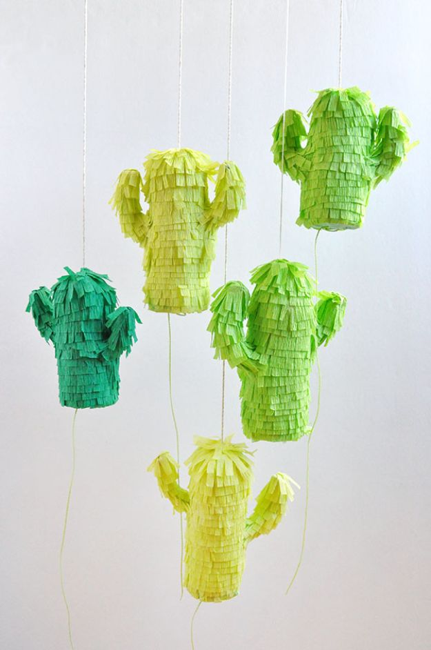 DIY Cactus Crafts | Mini Cactus Piñatas l Craft Ideas and Home Decor | Painting Tutorials, Gifts, Rocks, Cardboard, Wood Cactus Decorations