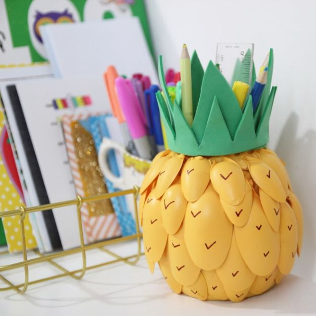 Pineapple Crafts - Pineapple Pen Pot - Cute Craft Projects That Make Cool DIY Gifts - Wall Decor, Bedroom Art, Jewelry Idea