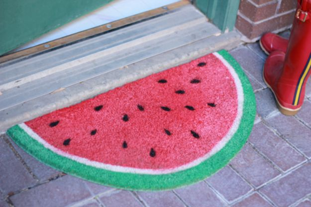 Watermelon Crafts - Watermelon Welcome Mat - Easy DIY Ideas With Watermelons - Cute Craft Projects That Make Cool DIY Gifts - Wall Decor, Bedroom Art, Jewelry Idea