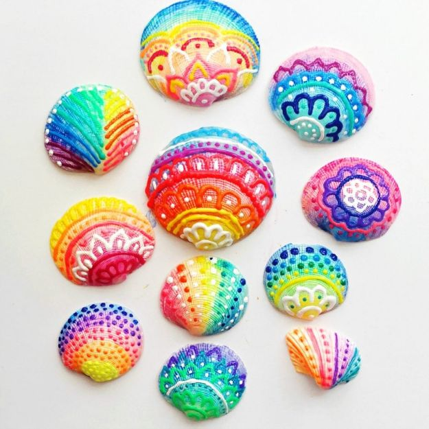 Easy Crafts for Teen Girls | Painted Sea Shells with Puffy Paint l Fun Craft and DIY Ideas for Teenagers and Tween Girl | Room Decor and Gifts